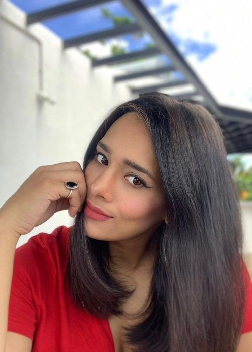 Mayanti Langer in August 2020 enjoying the blue sky and the sunshine
