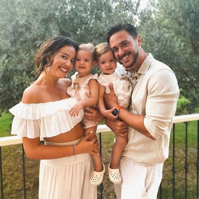 Pelin Akil smiling for a picture with her family at D-Resort Ayvalık Murat Reis in September 2020