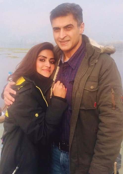Pranutan Bahl with her father on Father's Day in June 2020