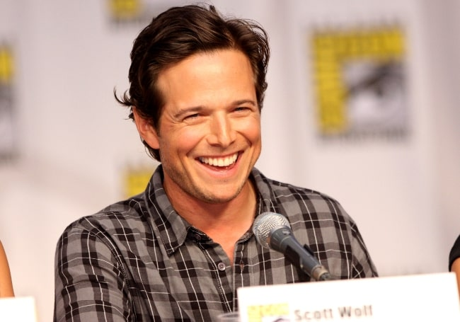 Scott Wolf on the V panel at the 2010 San Diego Comic Con in San Diego, California