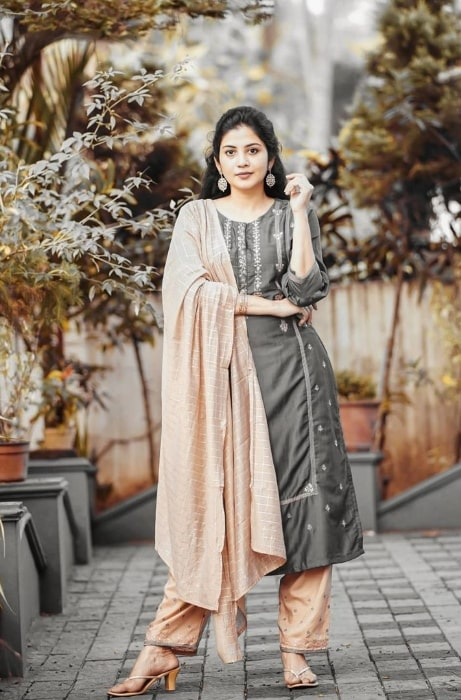 Sshivada posing for the camera in January 2021