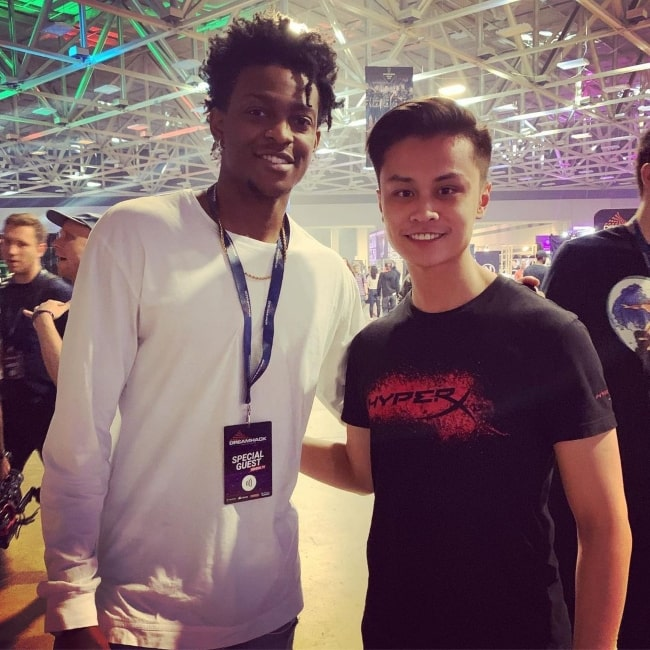 Stewie2K as seen in a picture that was taken with professional basketball player De'Aaron Fox in Dallas, Texas in June 2019