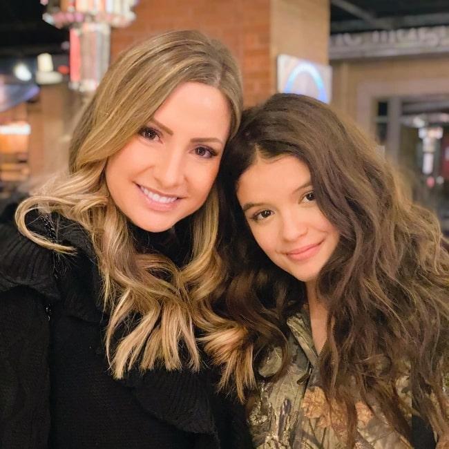 YaYa Gosselin (Right) posing for a picture along with Antonia DeNardo in January 2021