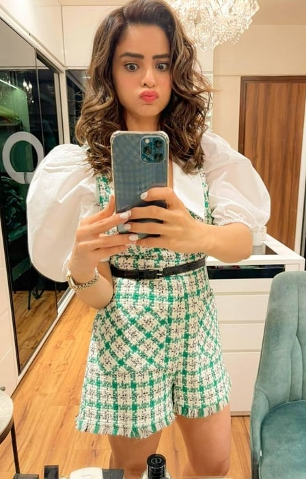 Aamna Sharif as seen while taking a mirror selfie in January 2021