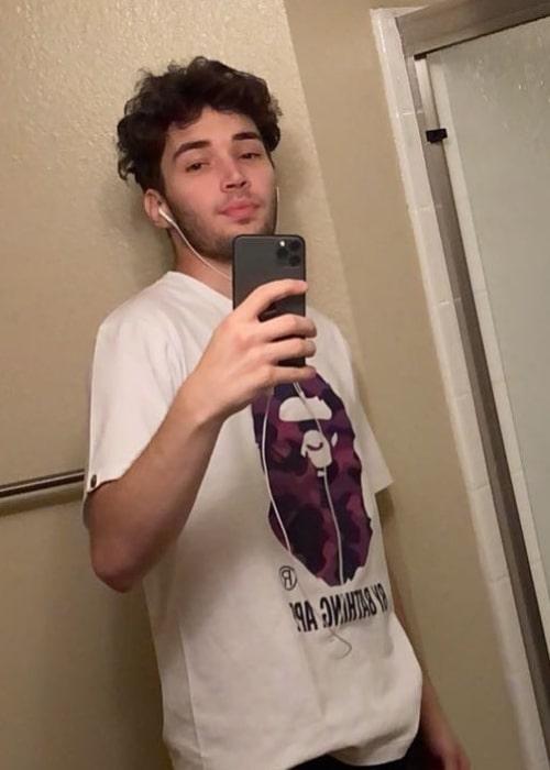 Adin Ross as seen in a selfie that was taken in November 2020