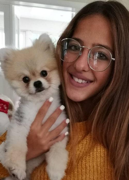 Ariann Music as seen in a selfie that was taken in Dublin, Ireland with a cute dog in September 2018