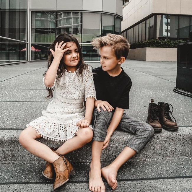 Caspian Slyfox as seen in a picture that was taken with Ava Marie Foley in Playlist Live in March 2019