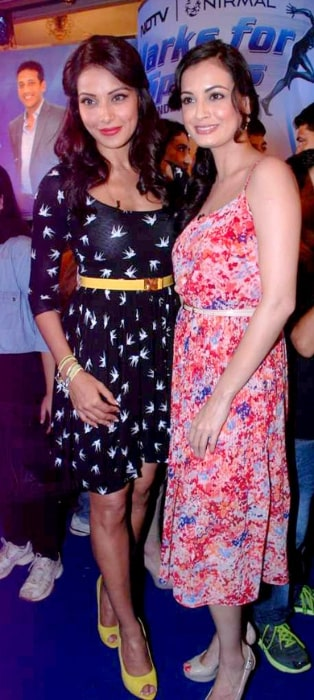 Dia Mirza (Right) and Bipasha Basu at the NDTV Marks for Sports event in July 2012
