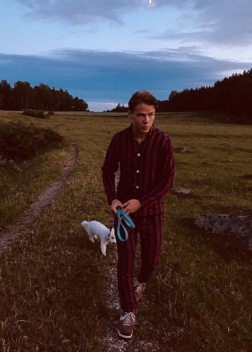 Edvard Olsson and his dog in a picture that was taken in March 2019