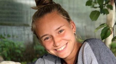 Elena Rybakina Height, Weight, Age, Body Statistics