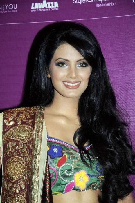 Geeta Basra as seen at Lakme Fashion Week 2011