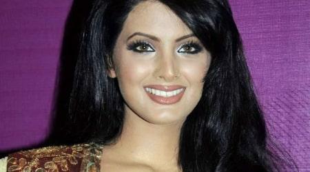 Geeta Basra Height, Weight, Age, Body Statistics