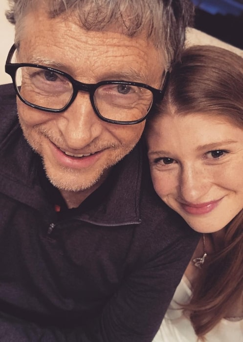 Jennifer Gates in December 2018 sharing her holiday selfie with her father
