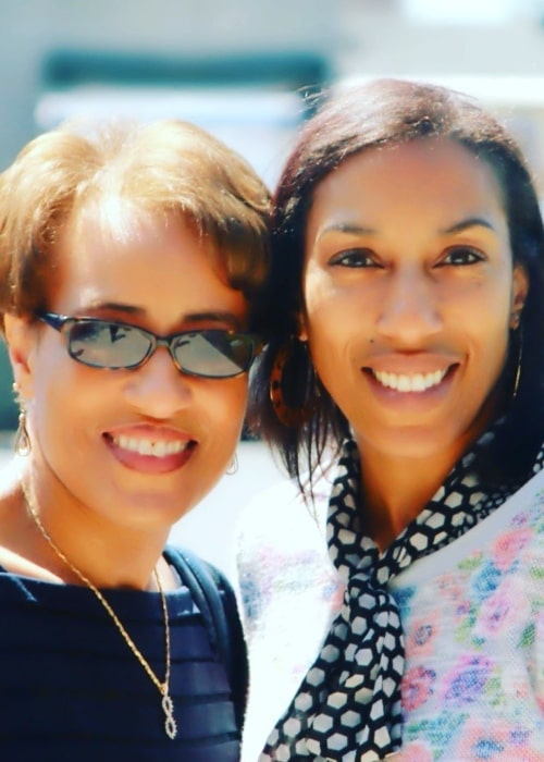 Kim Hill and her sister Terri in a picture that was taken in May 2020