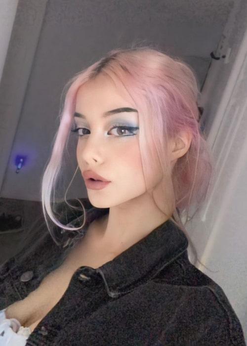 Lauren Burch as seen in a selfie that was taken in Ontario in January 2021