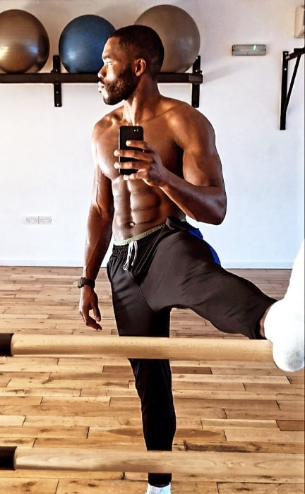 Martins Imhangbe as seen while taking a morning mirror selfie in November 2020