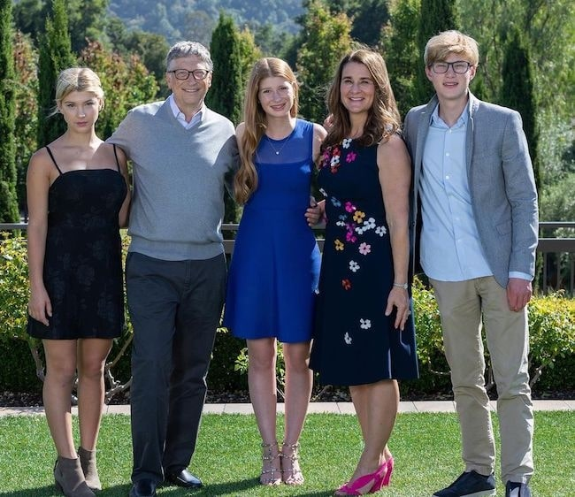 Melinda Gates with her family in November 2019 wishing everyone a Happy Thanksgiving