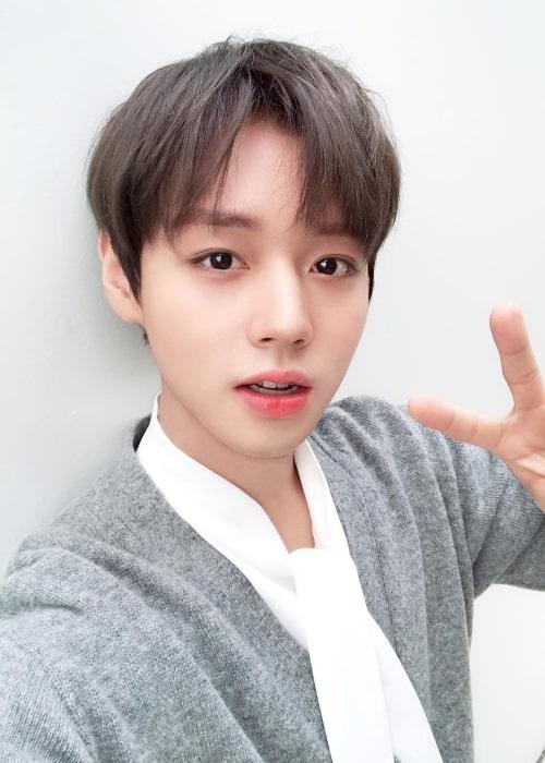 Park Ji-hoon in an Instagram selfie from Jaruary 2019