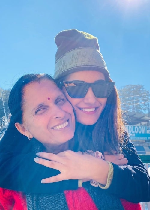Ruhani Sharma as seen in a picture with her mother that was taken in November 2020
