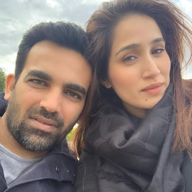 Sagarika Ghatge and Zaheer Khan taking a selfie in Paris, France