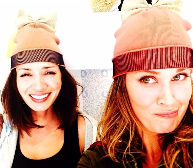 Sarah Lancaster (Right) taking a goofy selfie with Rebecca Marshall in June 2015