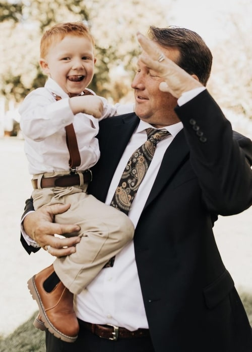 Beckham Nelson and his father in a picture that was taken in the past