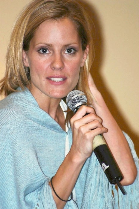 Emma Caulfield speaking at a 'Buffy the Vampire Slayer' convention in Tampa, Florida