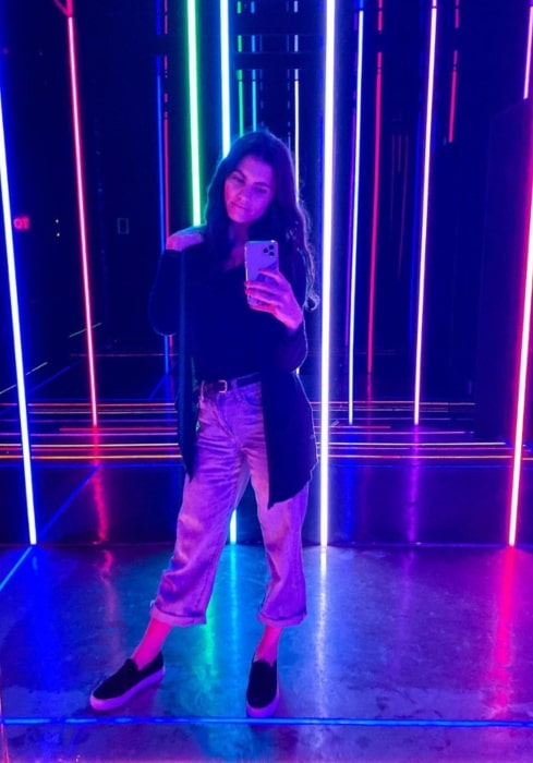 Hayley Erbert having a great time in Kuwait City in December 2019