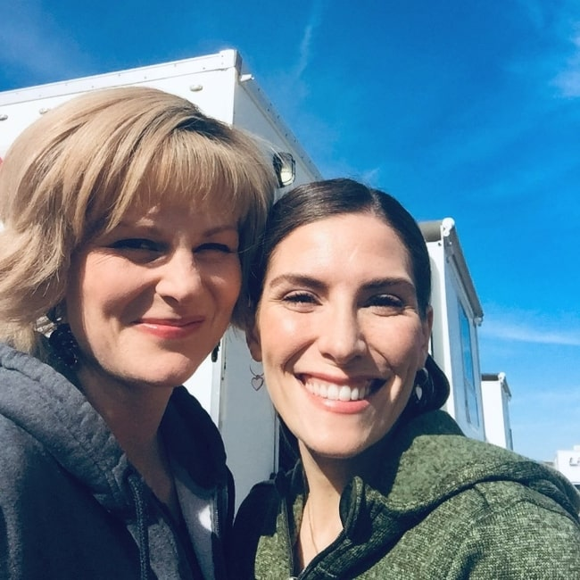 Jennifer Robertson (Left) and Sarah Levy in an Instagram post in September 2020