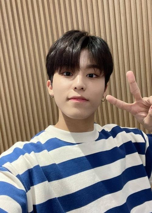 Jeongwoo in a selfie that was taken in March 2021
