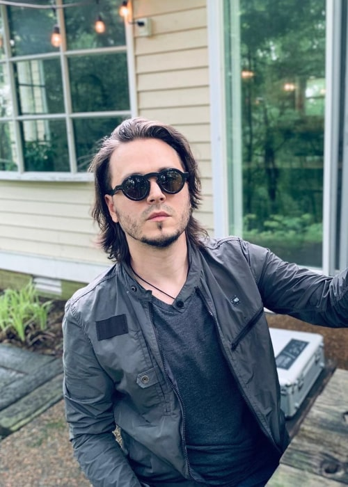 Jonathan Jackson in an Instagram selfie from May 2020