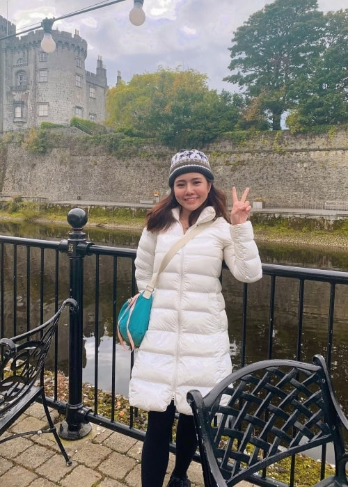 Kiaraakitty as seen in a picture that was taken at the Kilkenny Castle in October 2020