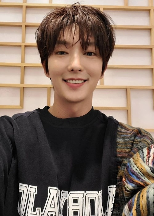 Lee Joon-gi as seen while smiling for a selfie in November 2020