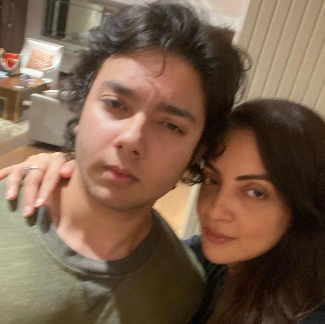 Nirvaan Khan in a selfie with his mother Seema Sachdev Khan
