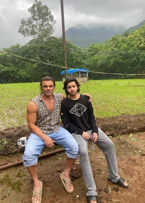 Nirvaan Khan posing for a picture with his father Sohail Khan in July 2020