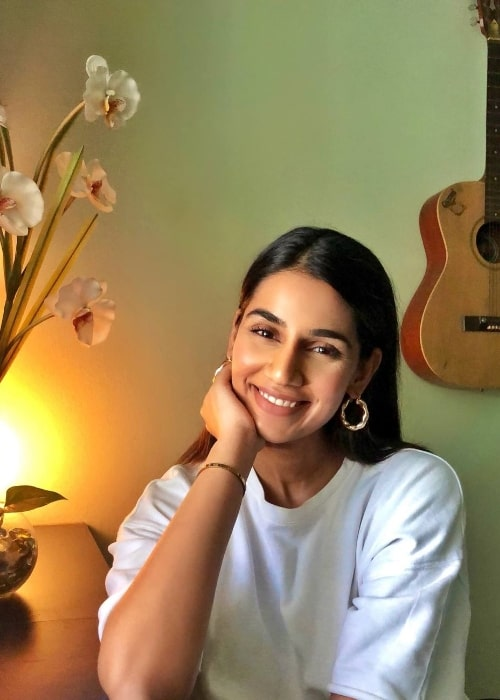 Sanjana Ganesan as seen while smiling for a picture in Pune, Maharashtra in April 2020