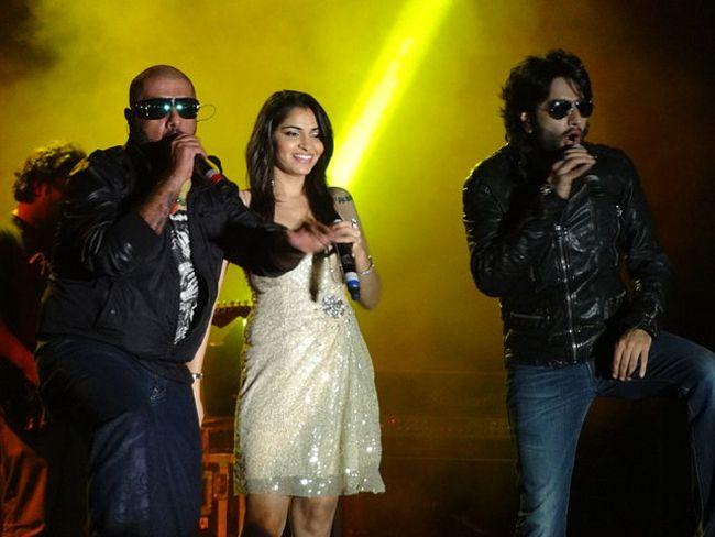 Vishal, Shruti Pathak, & Shekhar Ravjiani in 2012