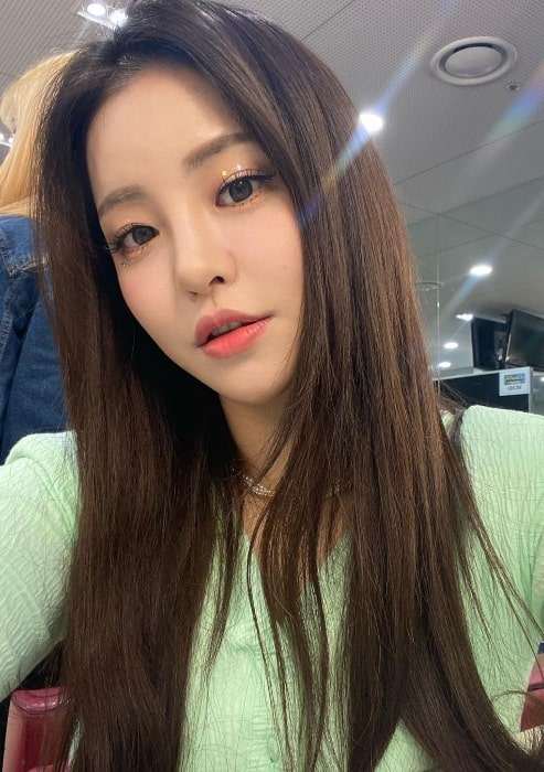 Yujeong as seen in a selfie in March 2021