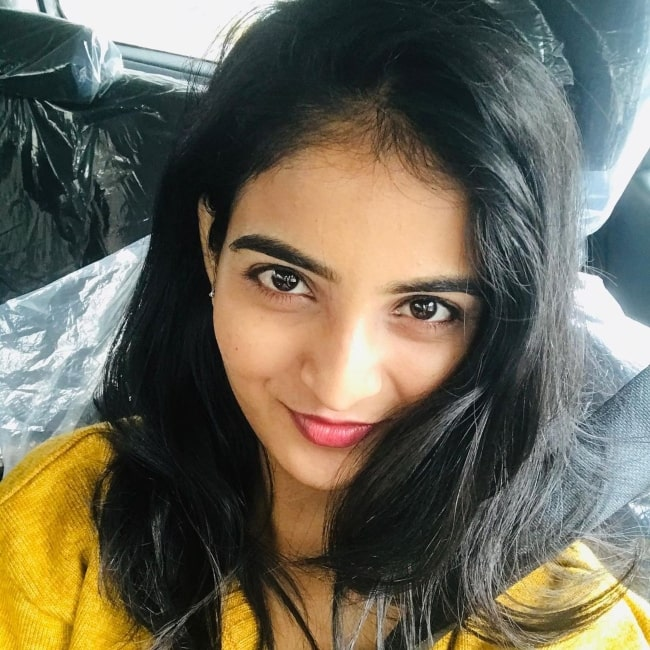Ananya Nagalla sharing a selfie showing her overslept face in March 2021