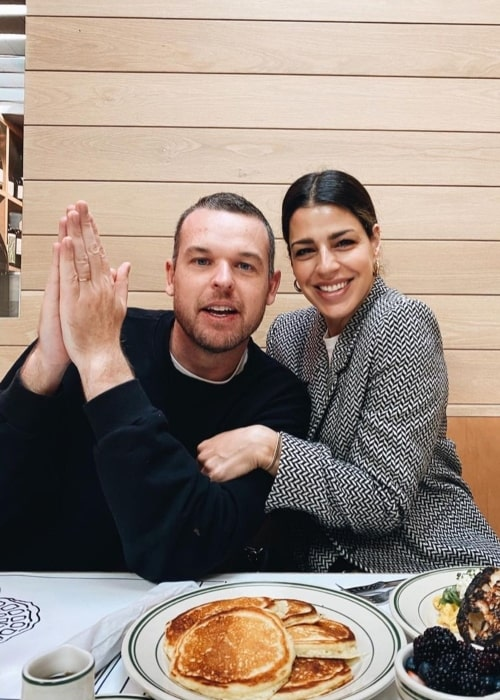 Brooke Fraser as seen in a picture with her beau Scott Ligertwood at Jon & Vinny's Restaurant in March 2021
