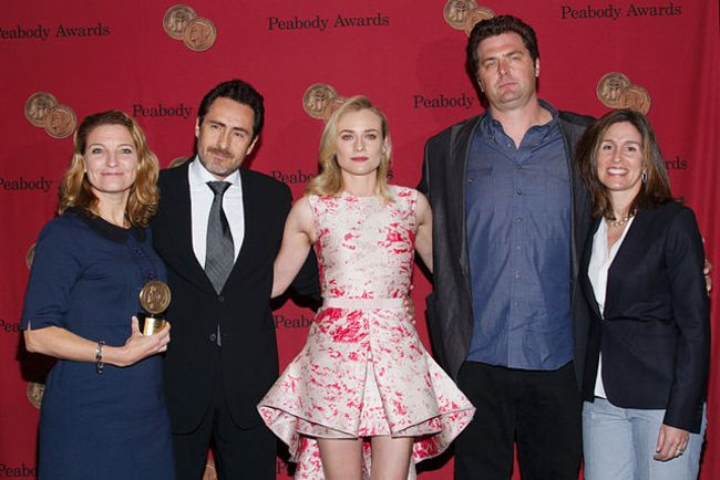 Demián as seen with the cast of The Bridge in 2014