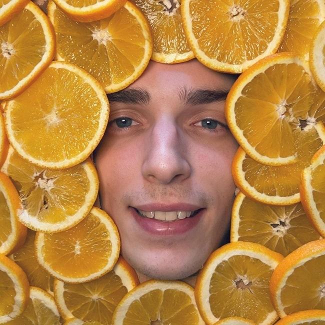 Drew Gooden in October 2020 amidst sweet oranges