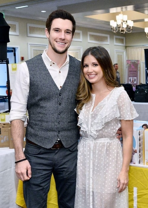Drew Roy as seen while posing for a picture with wife Renee Gardner in November 2017