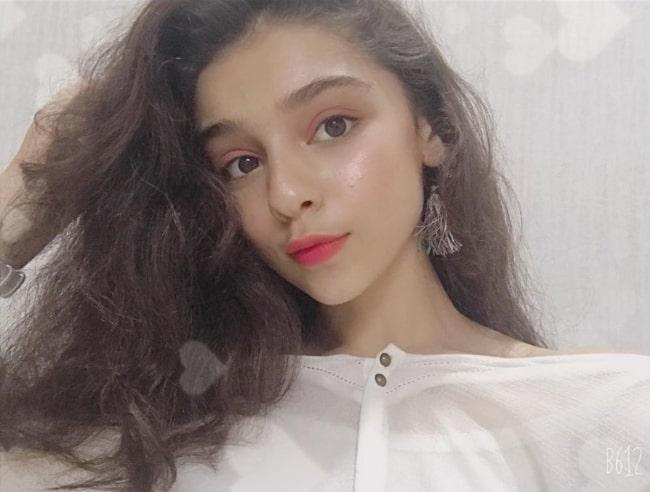 Gracy Goswami sharing her selfie in September 2019