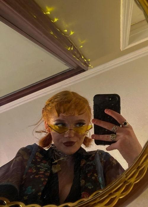 Hannah McCloud as seen while taking a mirror selfie in October 2020