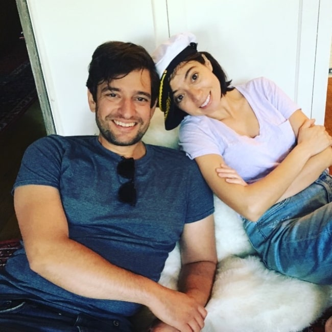 Kate Micucci as seen in a picture with her spouse Jake Sinclair in December 2020