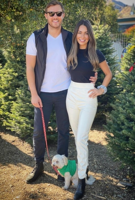 Kelley Flanagan with her beau in December 2020 getting in the Christmas spirit and picking out the tree