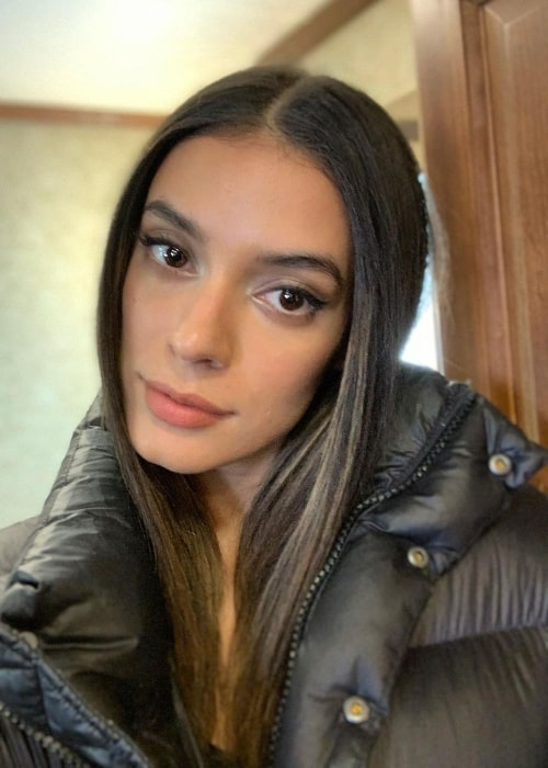 Laysla De Oliveira as seen while taking a selfie in April 2021