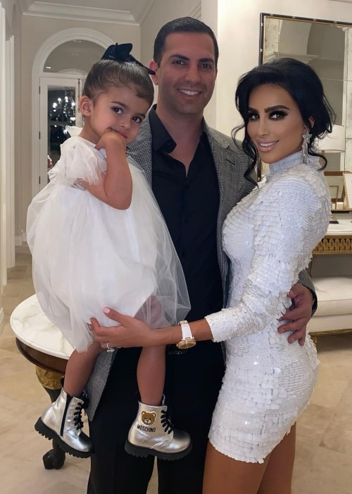 Lilly Ghalichi as seen in a picture that was taken with her beau Dara Mir and daughter Alara Mir in March 2021