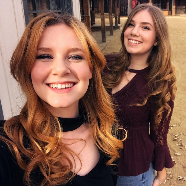 Madisen Beaty taking a selfie with Rylie Beaty in February 2018